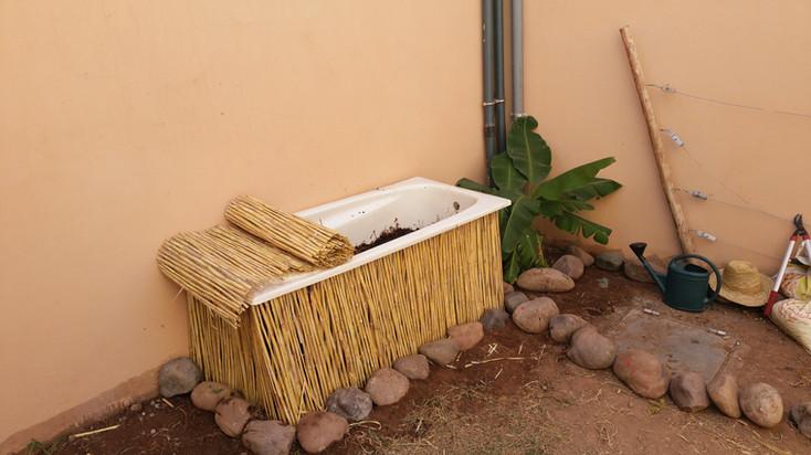 Lombriculture en baignoire de récupération pour petit volume, très bien l'éduction...