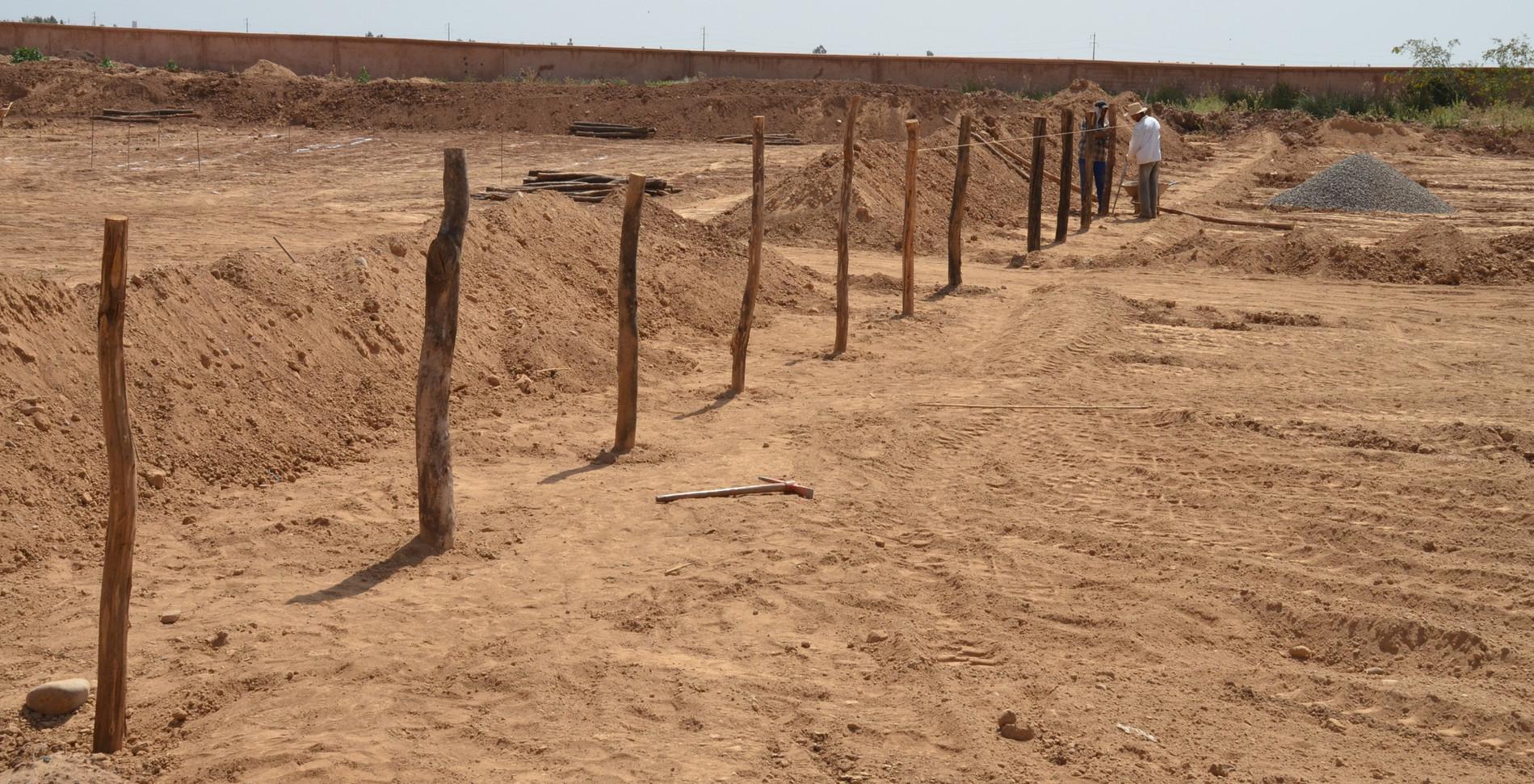 Installation de la clôture...