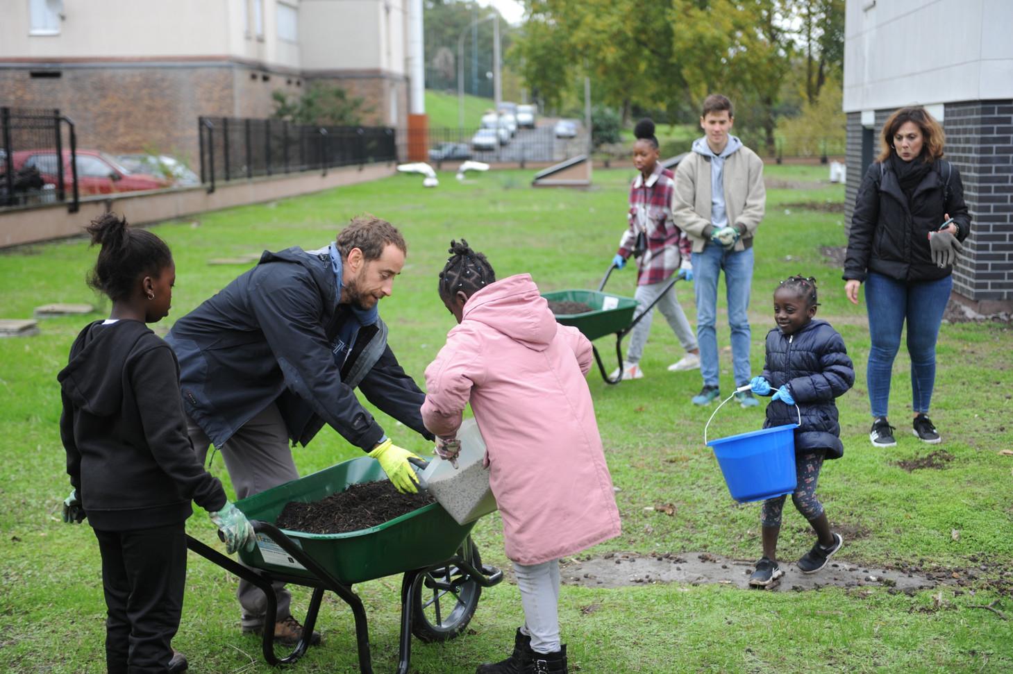 Préparation des engrais vers pour régénérer et dépolluer les sols...