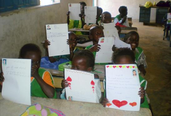"""Correspondance avec l'association """"M.E.R.E RUE"""" pour le droit à l'école des enfants des rues"""