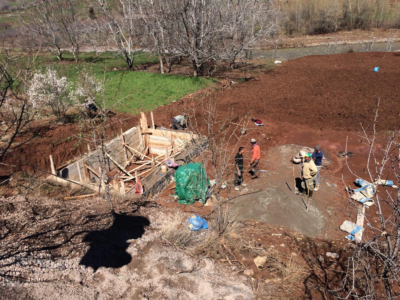 Construction du bassin...