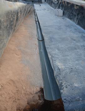 Nivellement, installation du drain central....