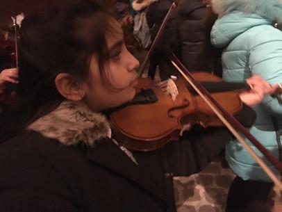 Moment citoyen inoubliable à l'Arc de Triomphe, avec la Musique des Gardiens de la Paix.