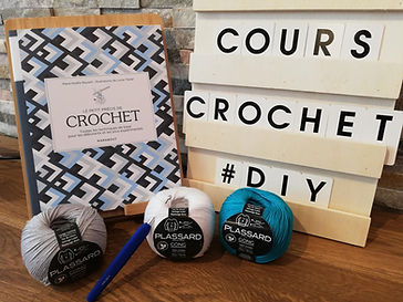 Atelier Crochet. Cassiopée Couture est un lieu dédié à la couture à Arpajon, en Essonne, de débutant à confirmé.