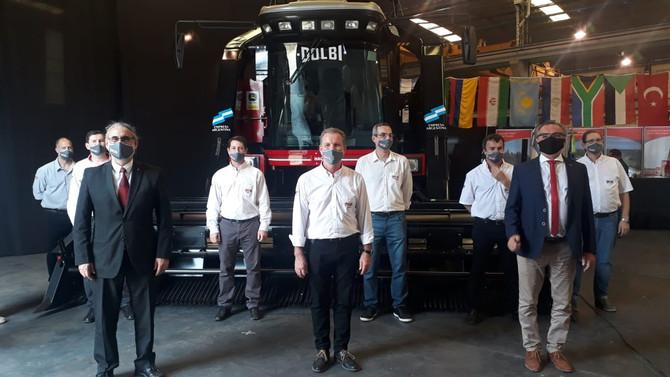 Dolbi presentó al mundo su nueva cosechadora autopropulsada de algodón HAC 5000