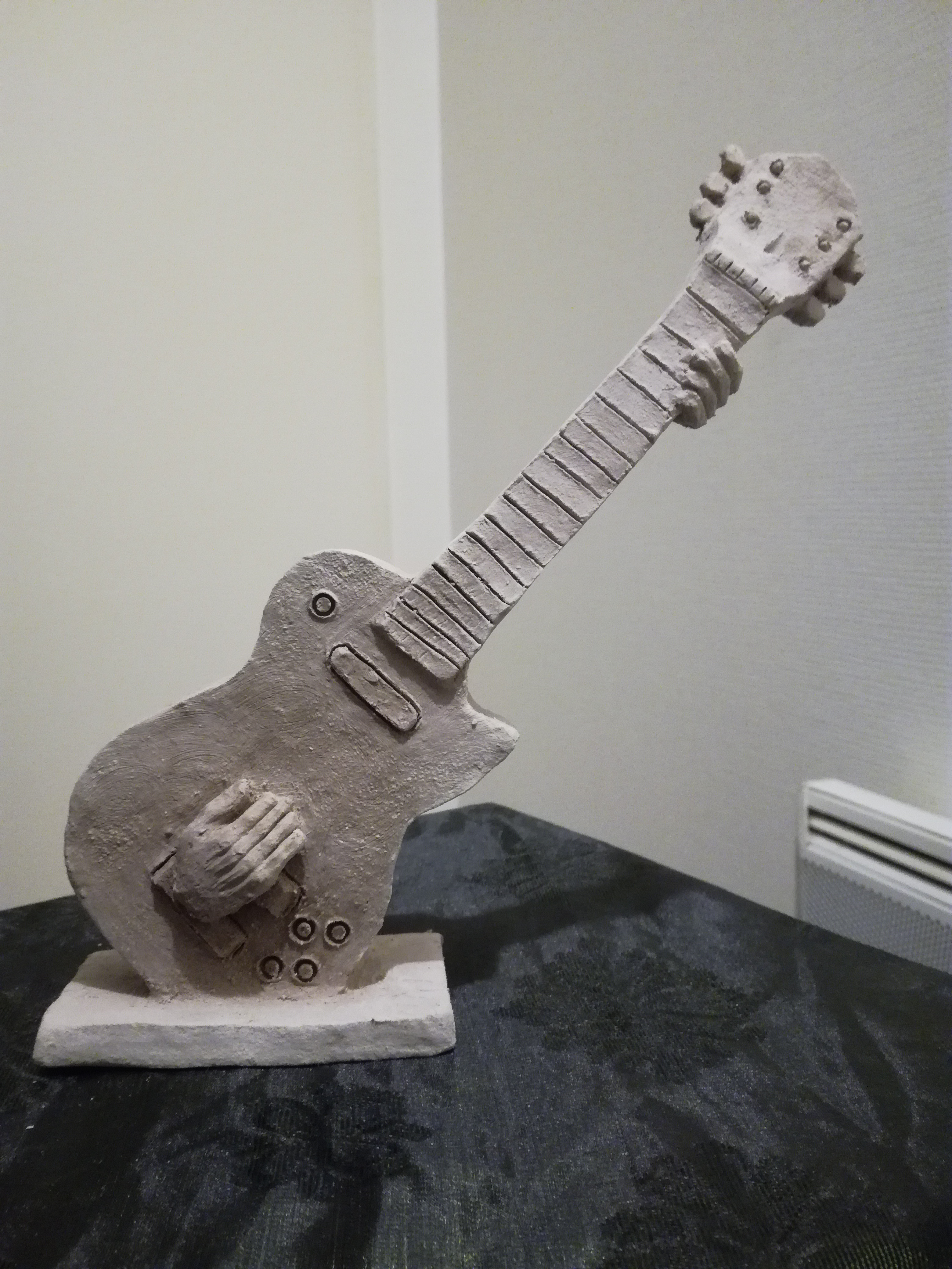 Joueur de Guitare èlèctrique. Vendu.