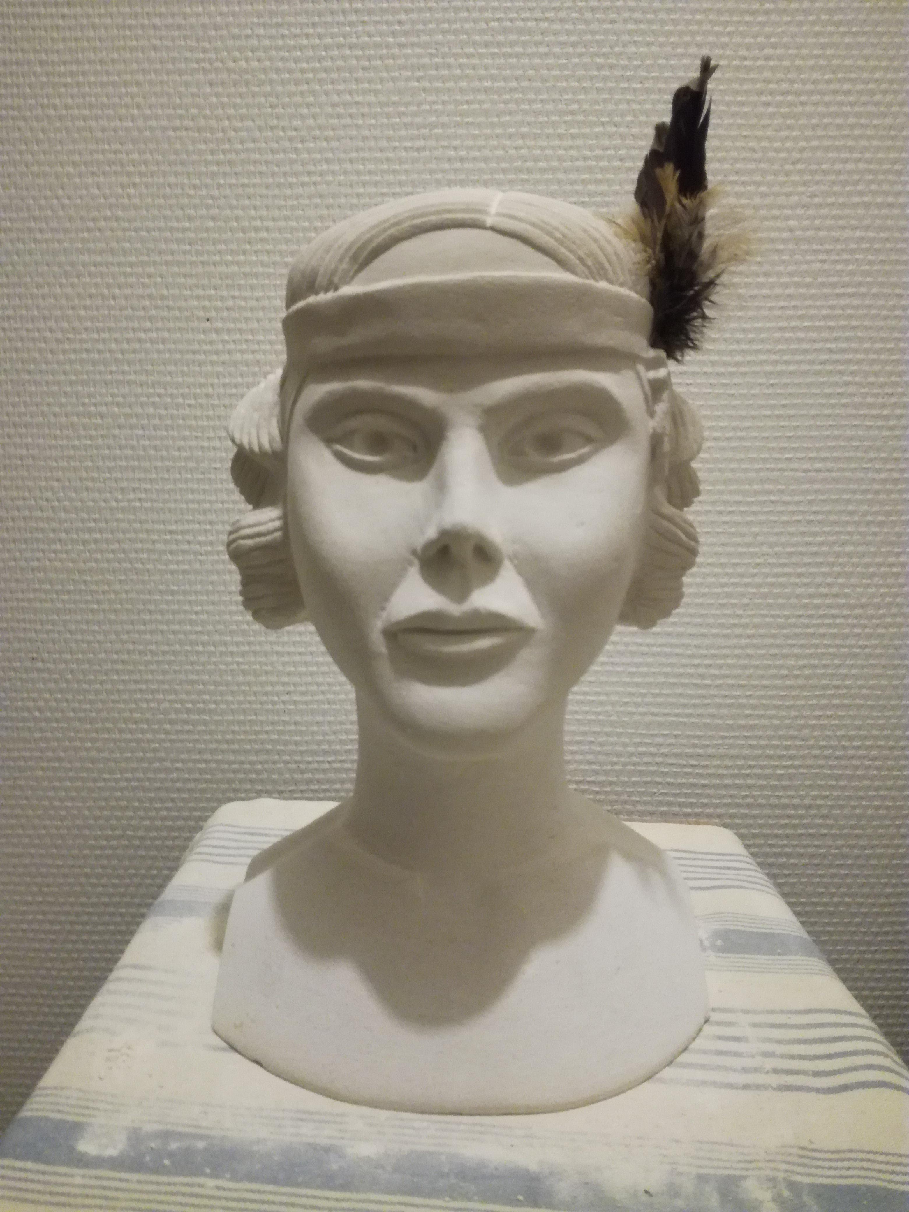 Emma. femme des années 30. 450€