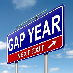How to Conquer the Dreaded Pre-Med Gap Year