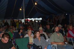 Bidder's crowd