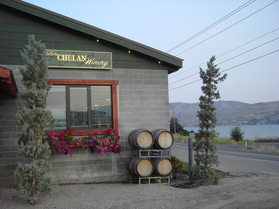 Image From: http://www.tripadvisor.com.au/Restaurant_Review-g58395-d2291863-Reviews-Lake_Chelan_Winery-Chelan_Washington.html