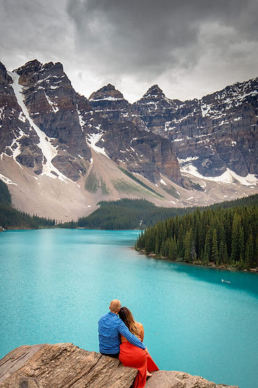 Moraine Lake Engagement, Banff Natonal park