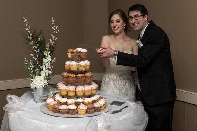 Calgary Char Bar Wedding Reception, cupcakes
