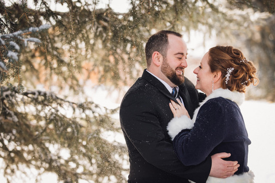 Winter wedding, bride and groom, Calgary zoo, Calgary Wedding Photographer