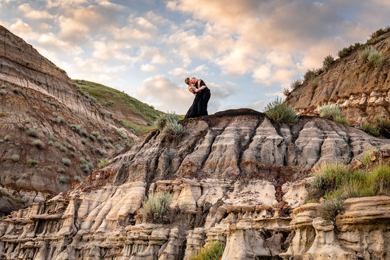 Drumheller Elopement, Calgary wedding Photographer