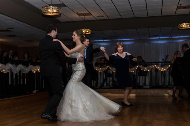 Calgary Char Bar Wedding Reception, first dance