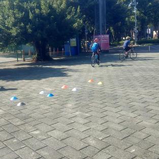 練習場旁小廣場