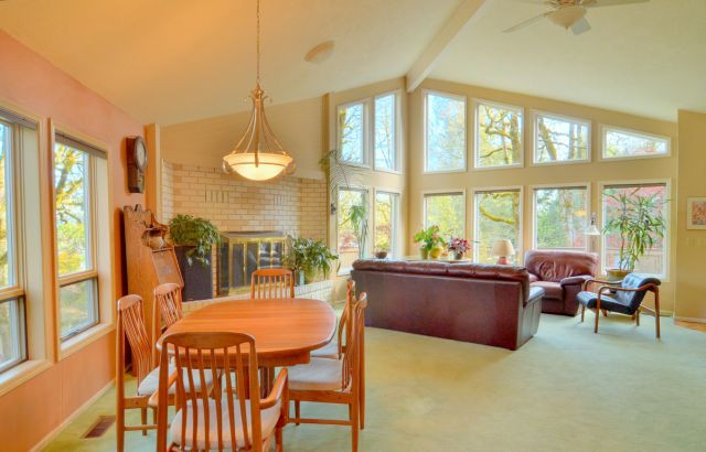 3 Dining to Windows wide - hdr.jpg