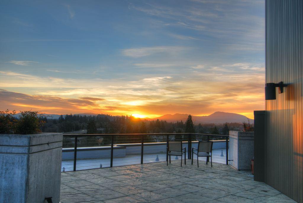 1h  Rooftop Sunset Over Coastal Range wi