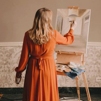 Leanne Larson  - Live Wedding & Event Painter .JPG