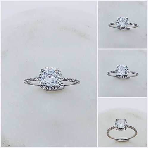 Studiodragonfly19 Gem Memorial Ash Halo Round Cut 14kt CZ Diamond Cremation Ring