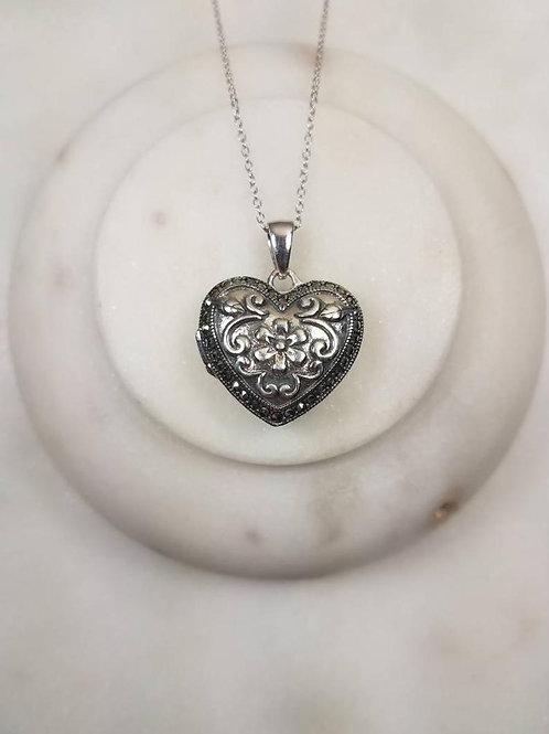 Memorial Ash Sterling Silver Heart Stone Locket Pendant Necklace/Cremation Penda