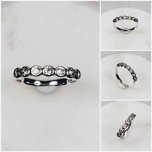 Studiodragonfly19 Memorial Ash Minimalist 10k Gold Round Diamond Bezel Ring
