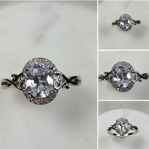Studiodragonfly19 Side Heart Oval 10k Gold Cremation Ring/Memor