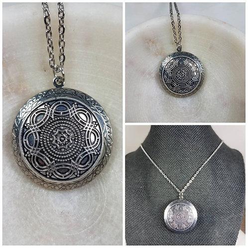 Memorial Ash Vintage Ornate Locket Pendant Necklace/Cremation Pendant/Pet Memori