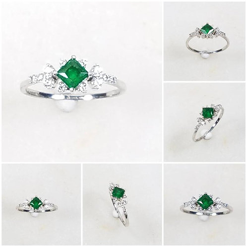 Studiodragonfly19 Memorial Ash Minimalist 10k Gold Princess Cut Emerald Ring/Mem