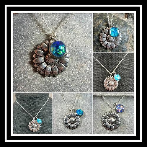 Daisy Flower Memorial Ash Pendant/Memorial Jewelry/Ash Necklace/ Cremation Neckl