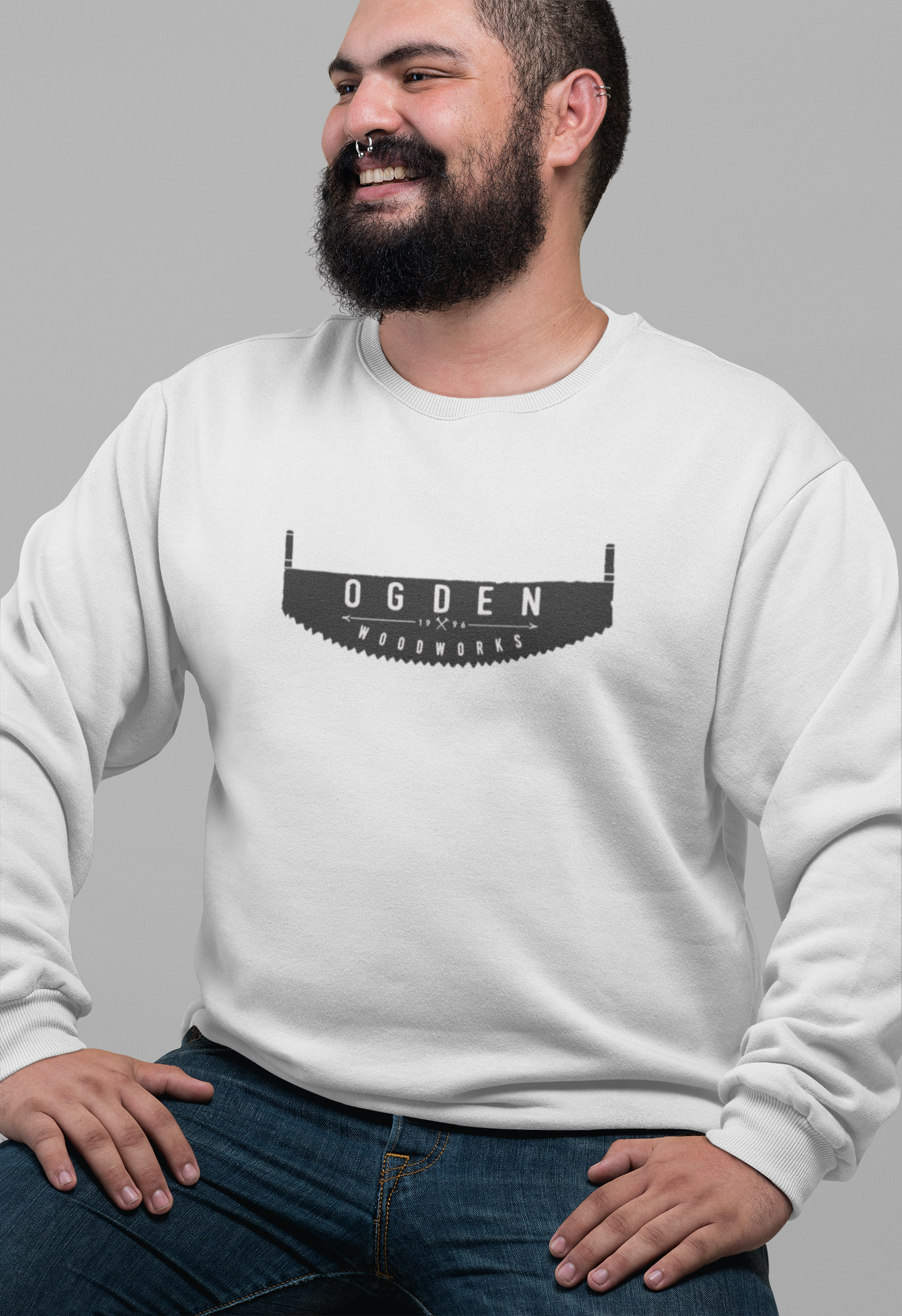 plus-size-crewneck-sweatshirt-mockup-of-