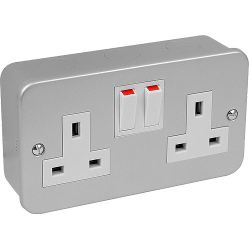 Metal Clad Switched Socket 2G