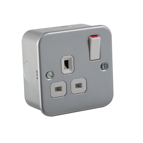 Metal Clad Switched Socket 1G