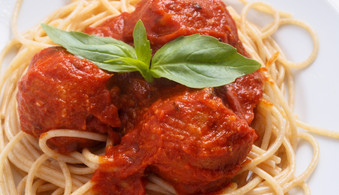 Vegan%20chickpea%20meatballs%20with%20to