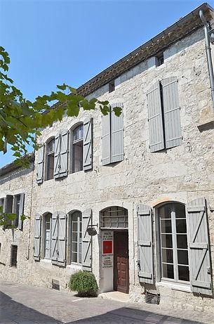 La devanture et la façade du gite communal de Lauzerte