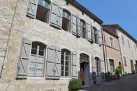 La façade du gîte communal