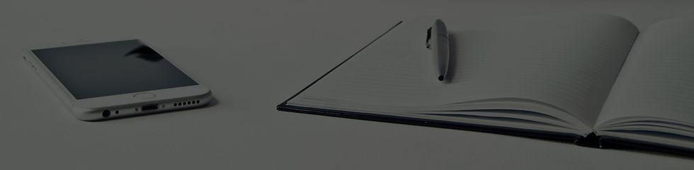 desk-3076954.jpg