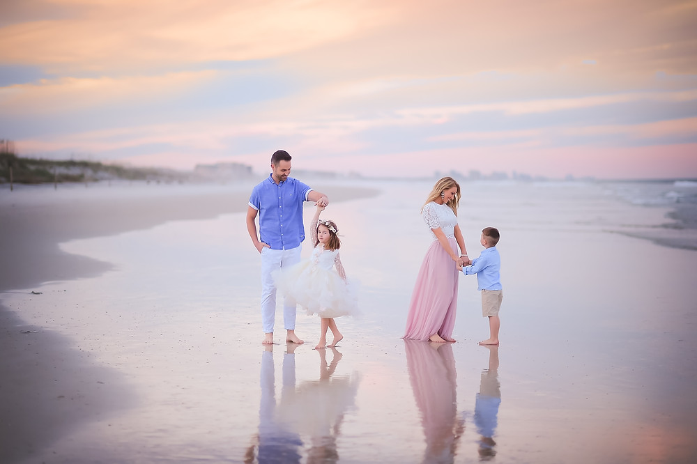 What to Wear for Family Pictures - Addie Marie Photography