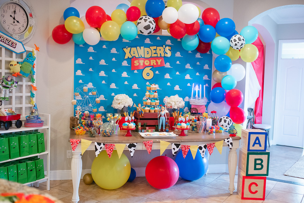 Toy Story 4 Party Cake Table Balloon Garland