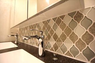 洗面台のタイル