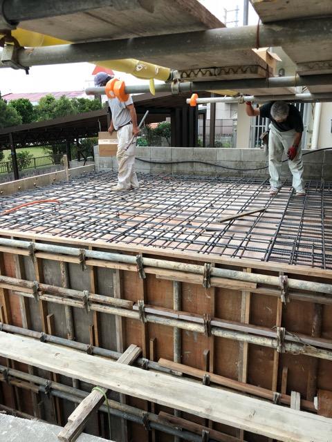 外部生コンクリート打ち前鉄筋組み
