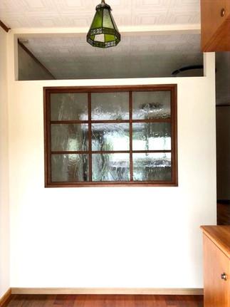 ガラス付け間仕切り壁