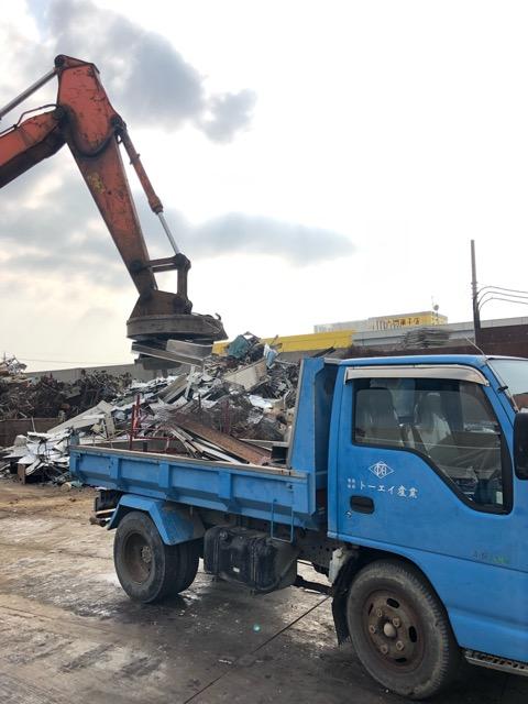 2トントラック鉄廃材撤去状況
