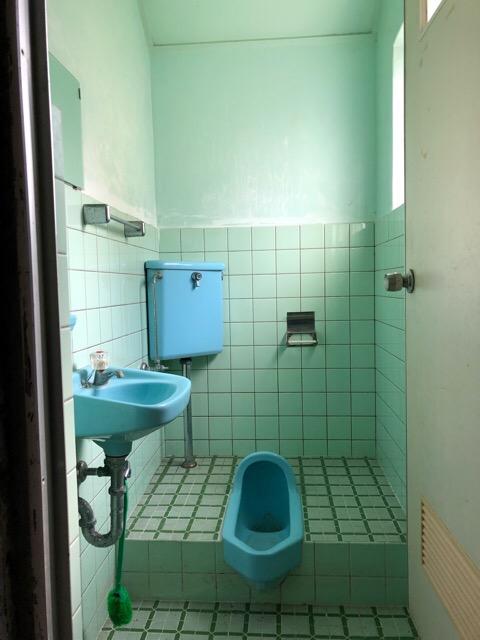 解体前トイレ写真
