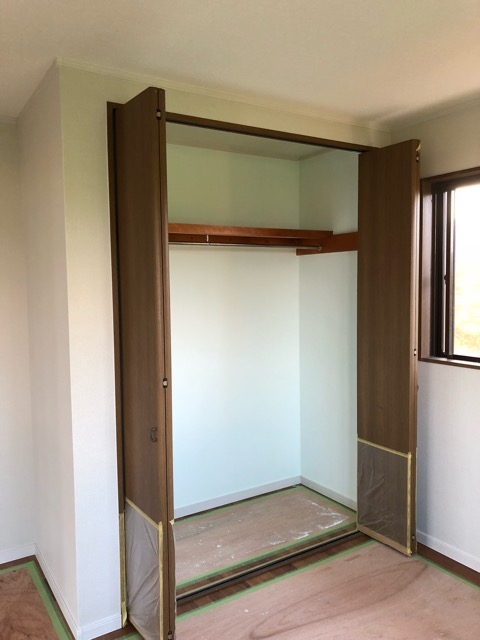 2階寝室収納DIY後写真
