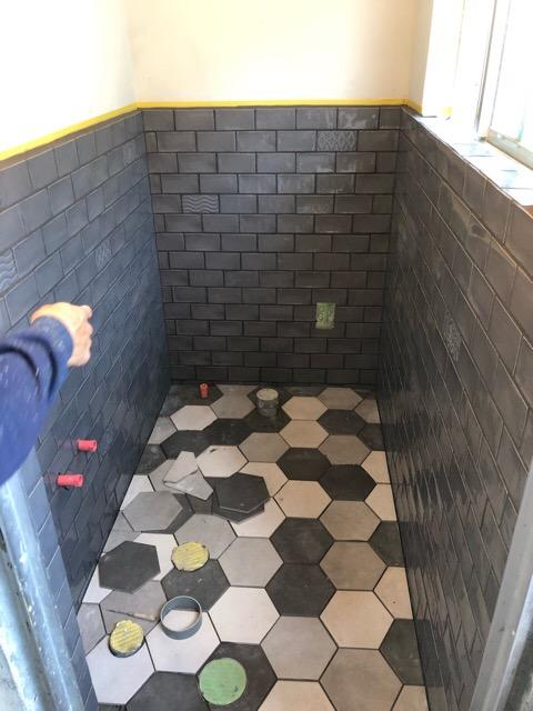 トイレ床タイル施工写真