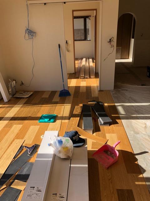 1階床貼り施工状況
