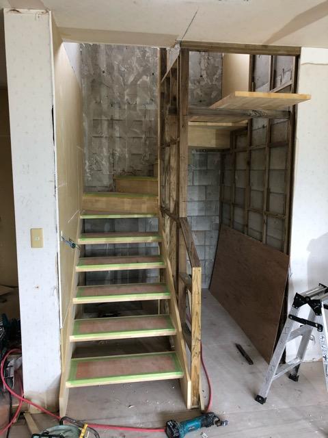 階段施工途中写真