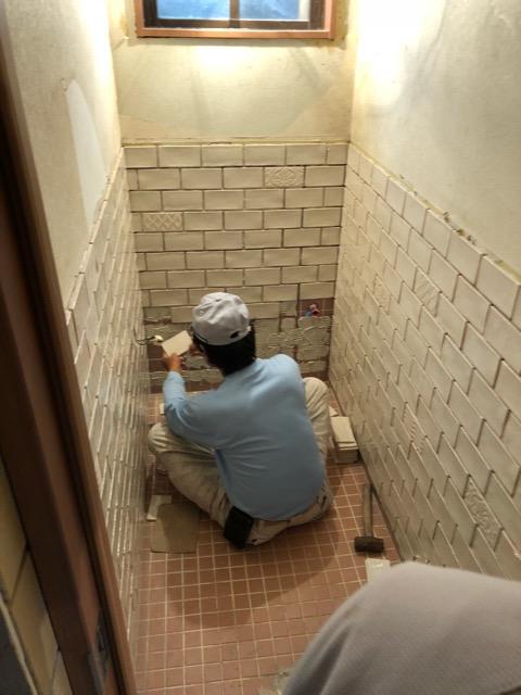 トイレタイル壁面仕上げ前写真