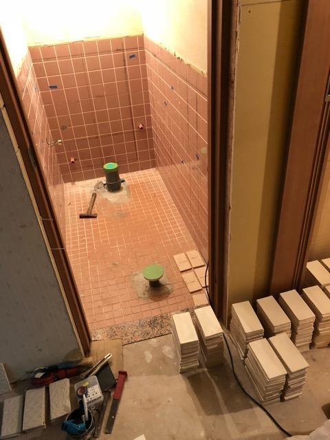 トイレタイル施工前写真